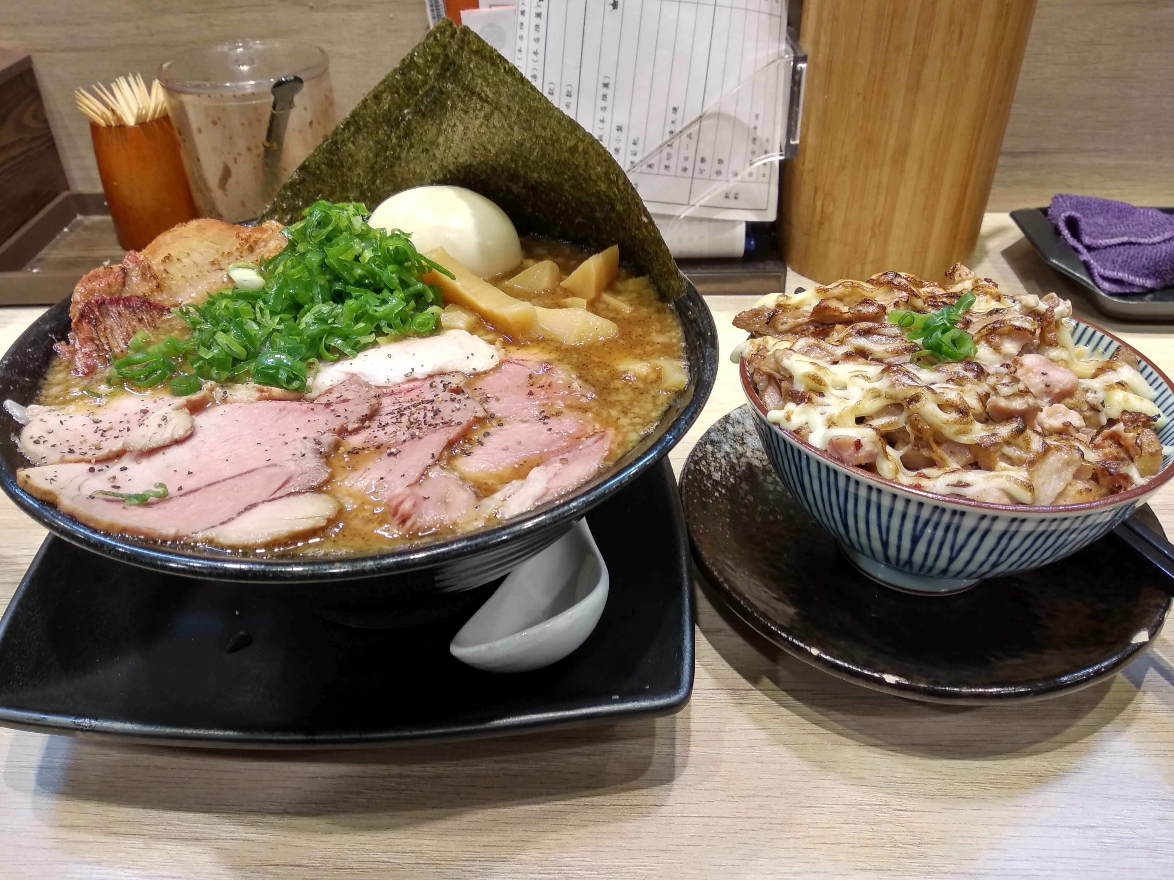 【新北板橋美食】双豚 ラーメン日式拉麵&濃厚湯頭&叉燒