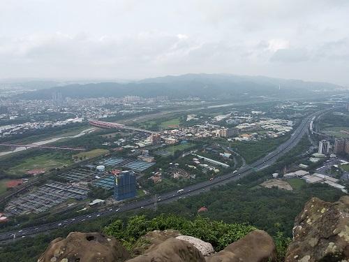 【新北三峽】鳶山登山步道/交通路線導覽/登頂俯瞰整個都市之美